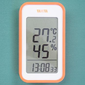 屋内は27.2℃、湿度45%